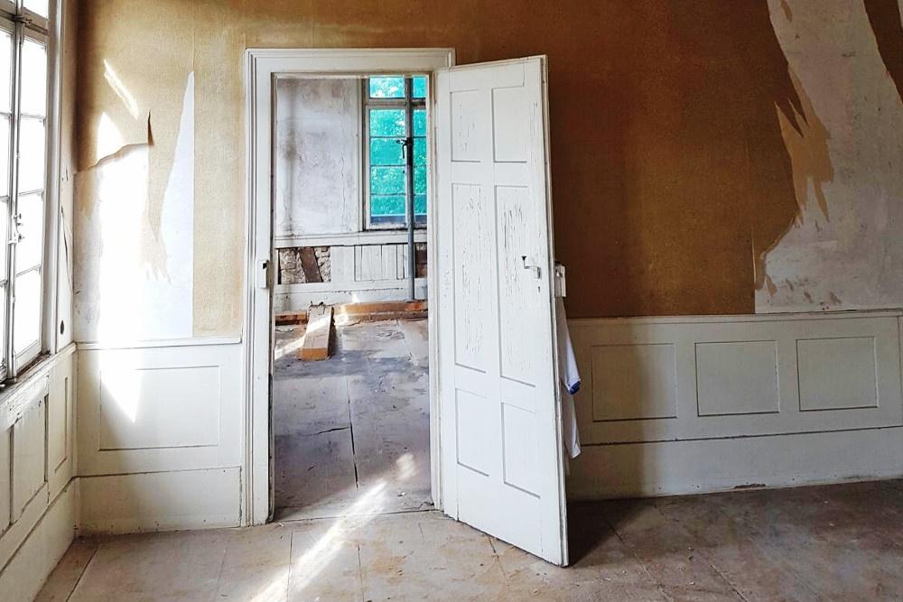 4 wohnungen gewerbe 6 pkw stellpl tze mit euro f rderung denkmalschutz afa. Black Bedroom Furniture Sets. Home Design Ideas